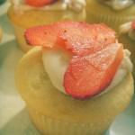 Vanilla strawberry mascarpone cupcakes (45)