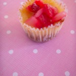 Mini vanilla cheesecakes with strawberries 2 (18)