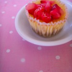 Mini vanilla cheesecakes with strawberries 2 (21)