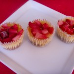 Mini vanilla cheesecakes with strawberries 2 (7)