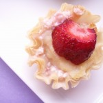 STRAWBERRIES &amp; CREAM FILO CUPS (26)