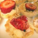 Strawberries & cream filo cups (11)