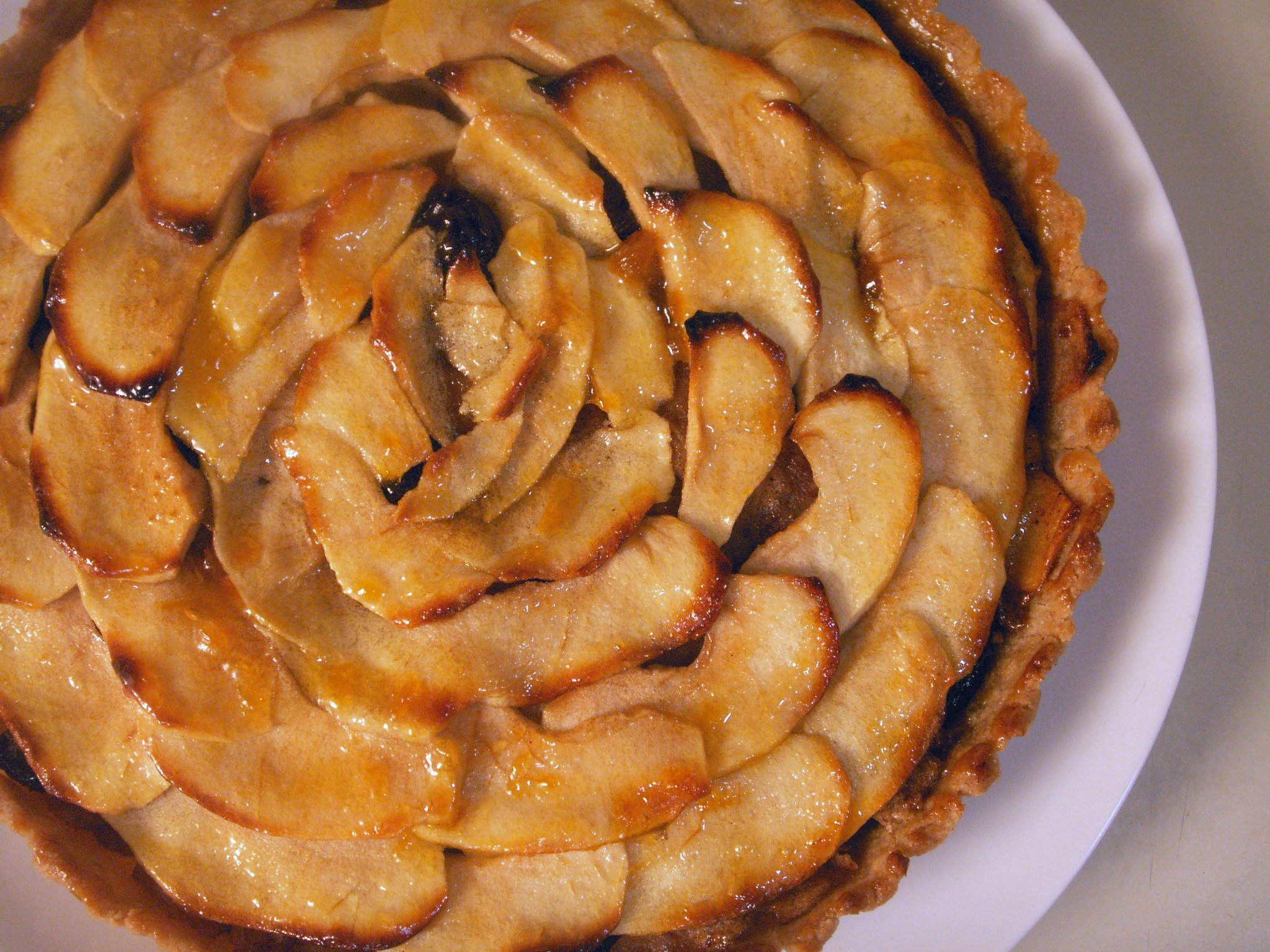 Vegan Apple Cinnamon Tarte with Almond Whole-Wheat Crust