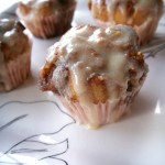 Nutty cinnamon roll cupcakes