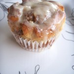 Nutty cinnamon roll cupcakes (64)