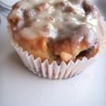 Nutty cinnamon roll cupcakes (79)